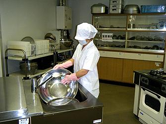調理補助・洗い場補助の様子